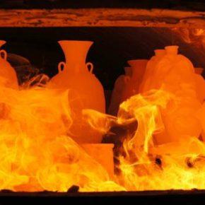 Wypał ceramiki w piecu na drewno